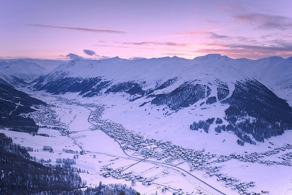 Elevated view of the village at sunset, Livigno, Valtellina, Lombardy, Italy, Europe - 1269-459