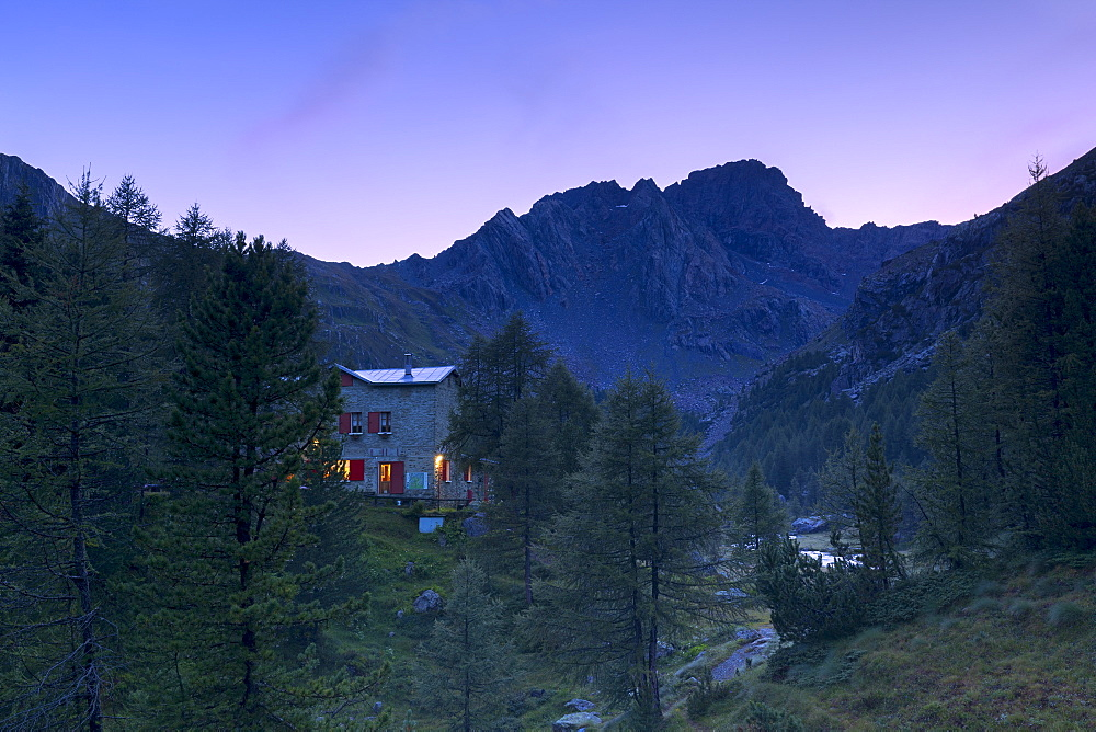 Sunset at the Bosio alpine hut, Valmalenco, Valtellina, Lombardy, Italy, Europe
