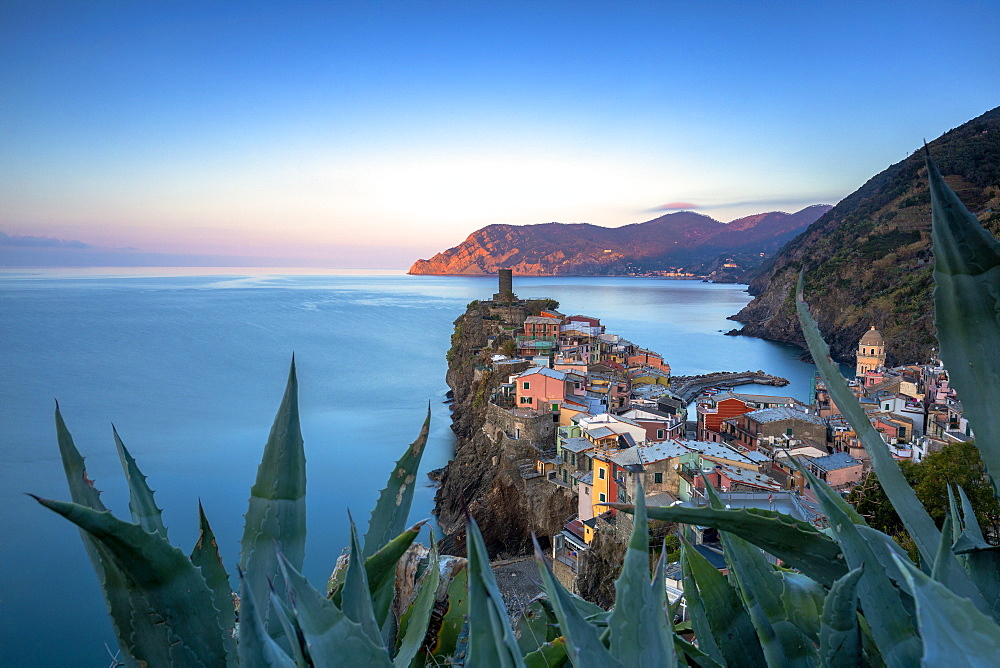 Sunrise on the village of Vernazza from above, Cinque Terre, UNESCO World Heritage Site, Liguria, Italy, Europe - 1269-517