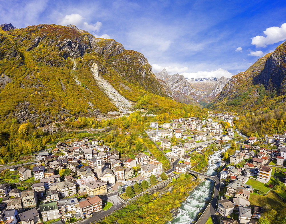 Village of Cataeggio in autumn colors, Valmasino, Valtellina, Lombardy, Italy, Europe - 1269-639
