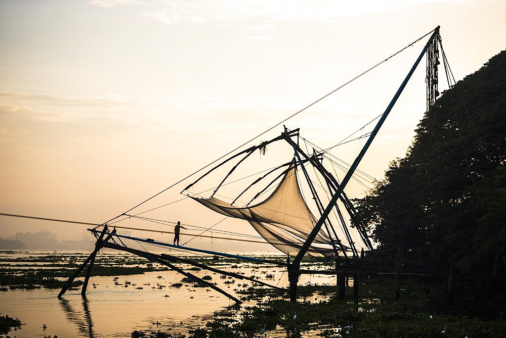 Traditional Chinese fishing nets at sunrise, Fort Kochi (Cochin), Kerala, India, Asia - 1272-178