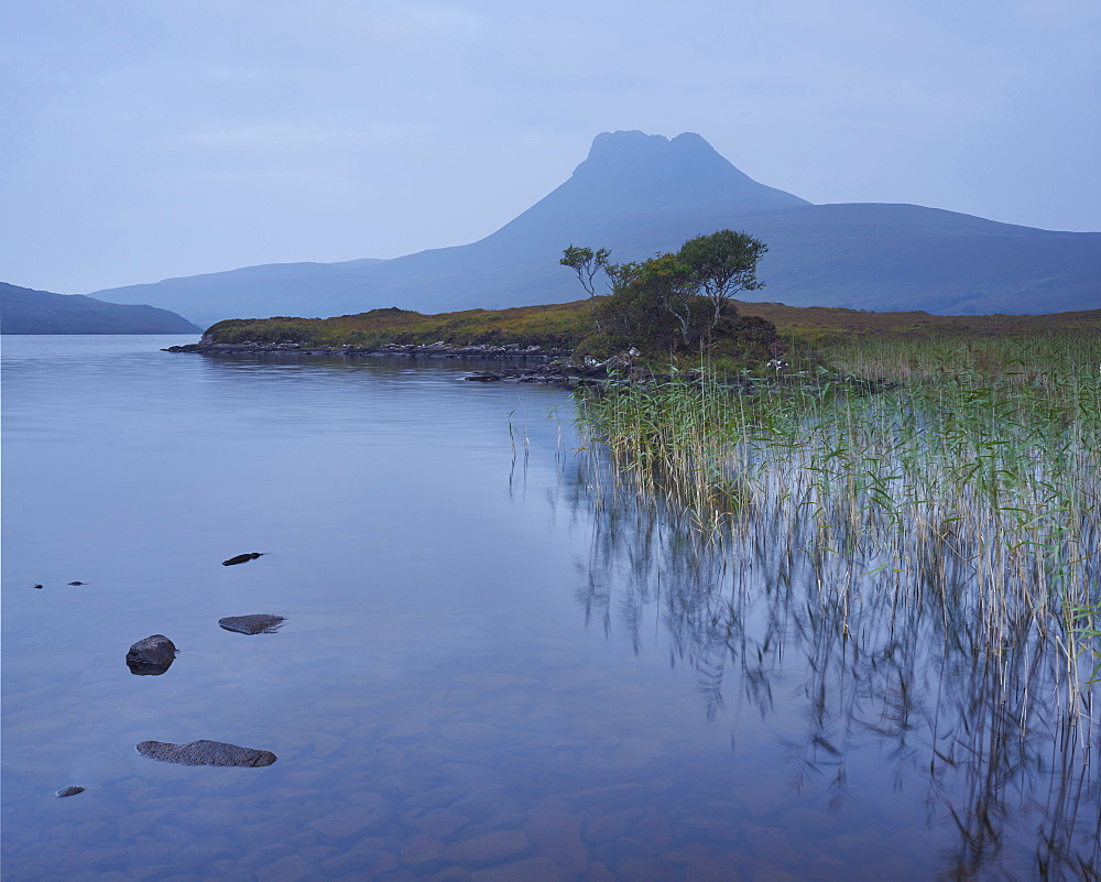 Stac Pollaidh from Loch Lurgainn, Sutherland, Highlands, Scotland, United Kingdom, Europe