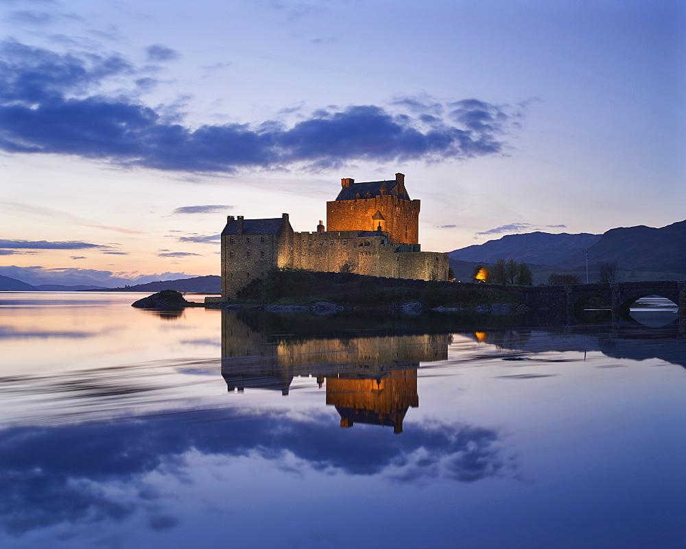 Dusk, Eilean Donan Castle, Dornie, Highlands, Scotland, United Kingdom, Europe - 1273-7