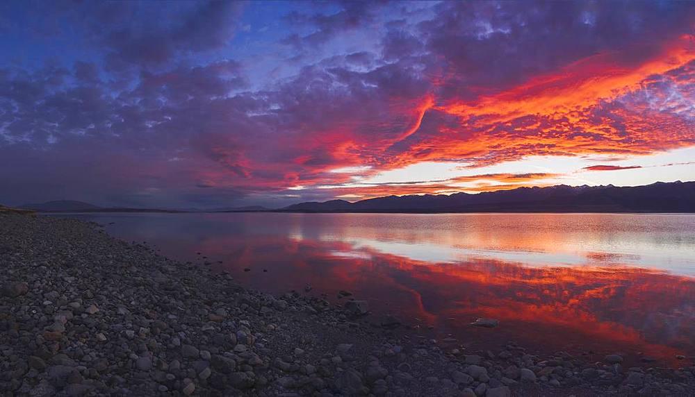 Lake Pukaki at sunset, South Island, New Zealand, Pacific - 1275-105