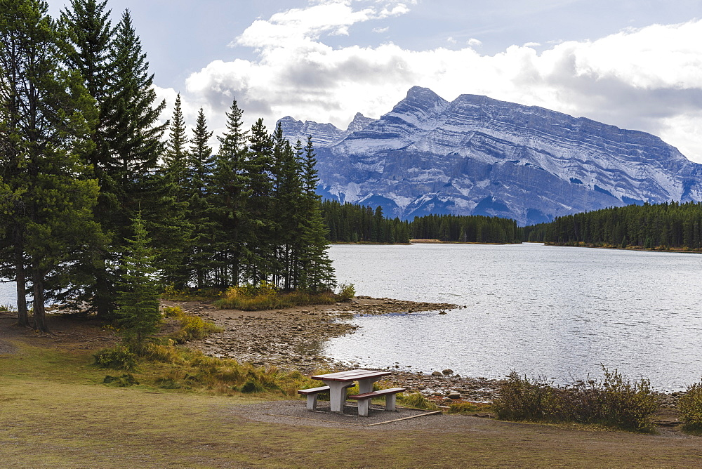 Picnic table at Two Jack Lake, Banff National Park, UNESCO World Heritage Site, Canadian Rockies, Alberta, Canada, North America - 1275-34