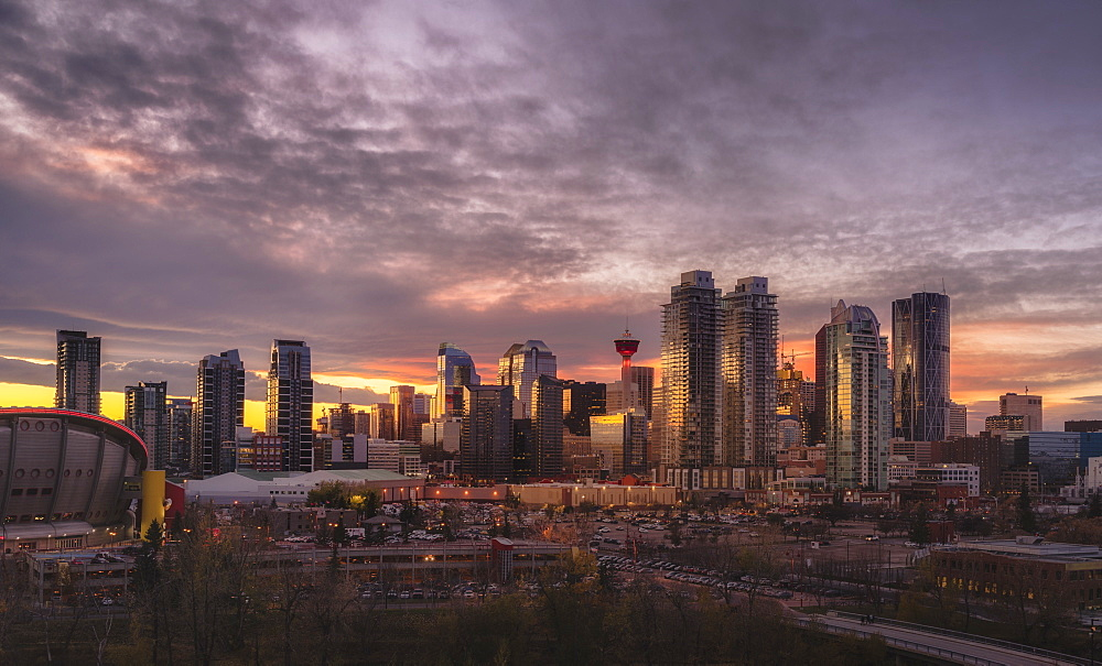 Skyline at sunset, Calgary, Alberta, Canada, North America