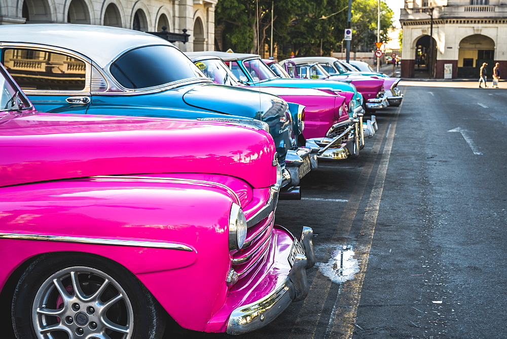 Colourful old American taxi cars parked in Havana, La Habana, Cuba, West Indies, Caribbean, Central America