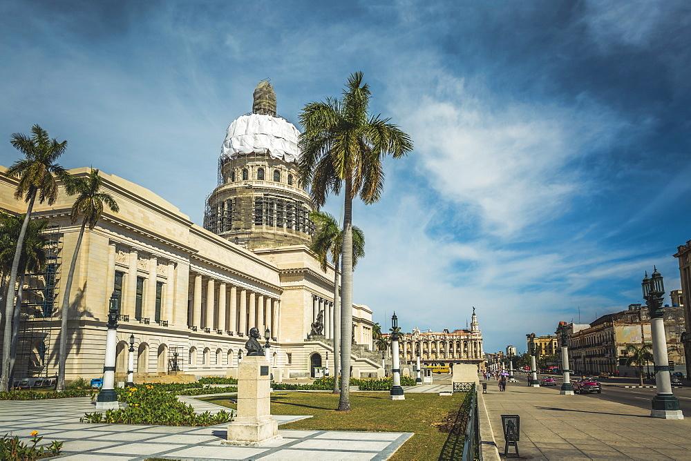 El Capitolio in La Habana (Havana), Cuba, West Indies, Caribbean, Central America