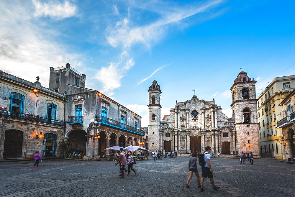 La Catedral de la Virgen Maria in La Habana Vieja, UNESCO, Plaza de la Catedral, Old Havana, Cuba, West Indies, Caribbean