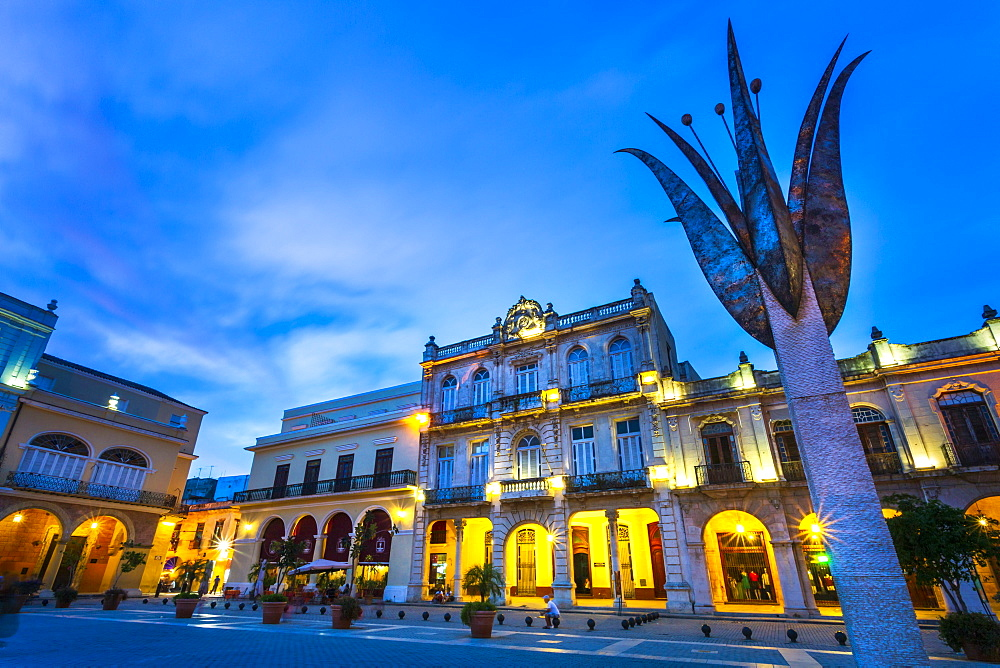 Old Town Square, Plaza Vieja at night, La Habana Vieja, UNESCO, Havana, La Habana, Cuba, West Indies, Caribbean, Central America - 1276-1463