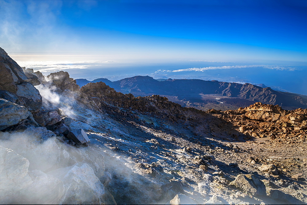 View from top of El Teide Volcano in the National Park in early morning, UNESCO World Heritatge Site, Tenerife, Canary Islands, Spain, Atlantic, Europe