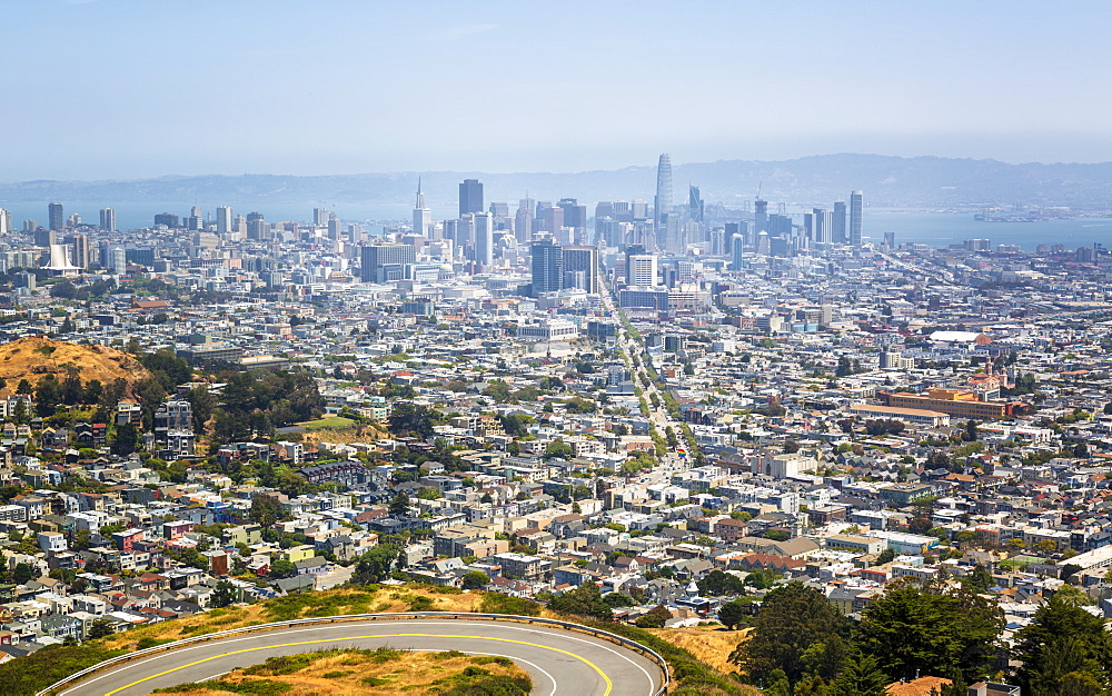 View of San Francisco skyline from Twin Peaks Park, San Francisco, California, United States of America, North America