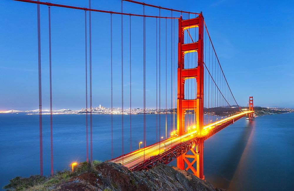 View of Golden Gate Bridge from Golden Gate Bridge Vista Point at dusk, San Francisco, California, USA, North America - 1276-432