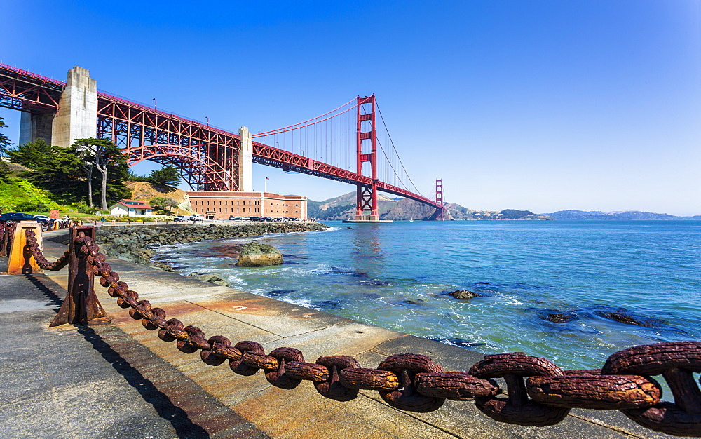 View of Golden Gate Bridge and Fort Point from Marine Drive, San Francisco, California, USA, North America - 1276-435