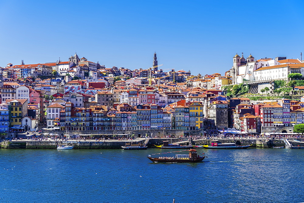 Boats on the Douro River and traditional houses of Ribeira District seen from Vila Nova de Gaia district, Porto, Portugal, Europe - 1278-163