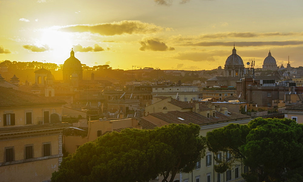 Sunset view of the Eternal City from top of Altare della Patria (Monumento Nazionale a Vittorio Emanuele II) monument, Rome, Lazio, Italy, Europe - 1278-6