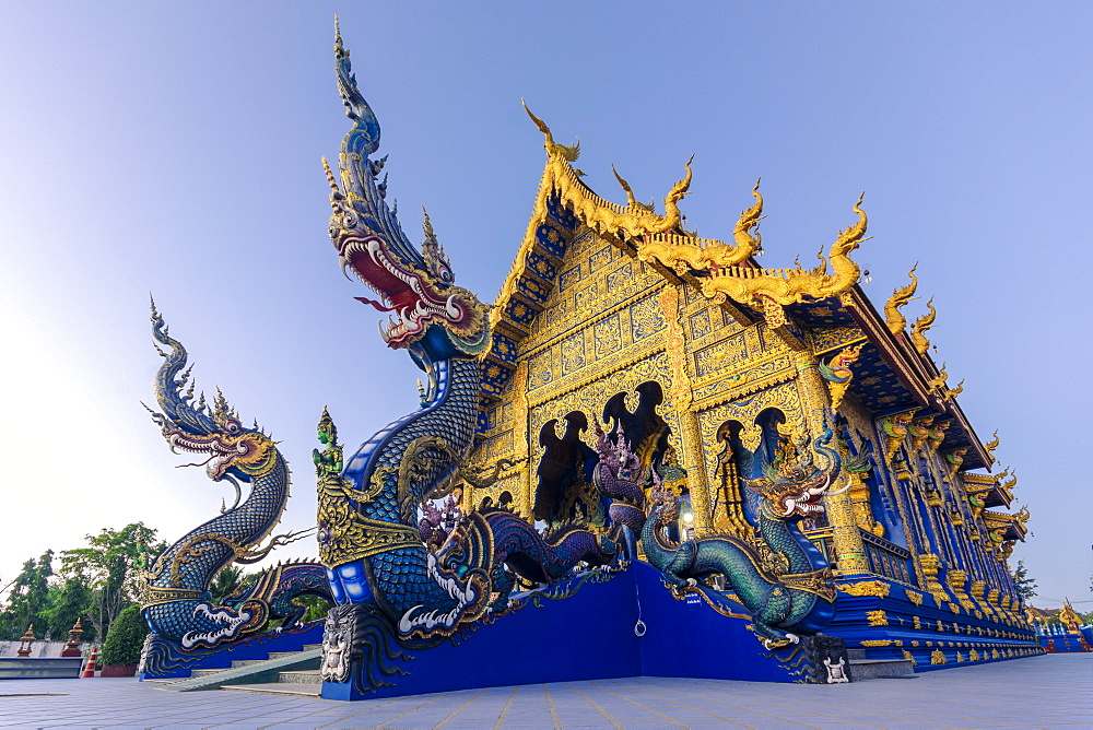 Exterior view of Wat Rong Suea Ten (Blue Temple) in Chiang Rai, Thailand, Southeast Asia, Asia - 1281-21