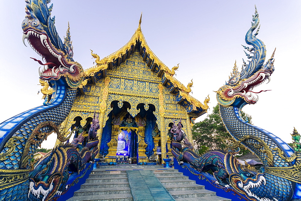 Exterior view of Wat Rong Suea Ten (Blue Temple) in Chiang Rai, Thailand, Southeast Asia, Asia - 1281-23