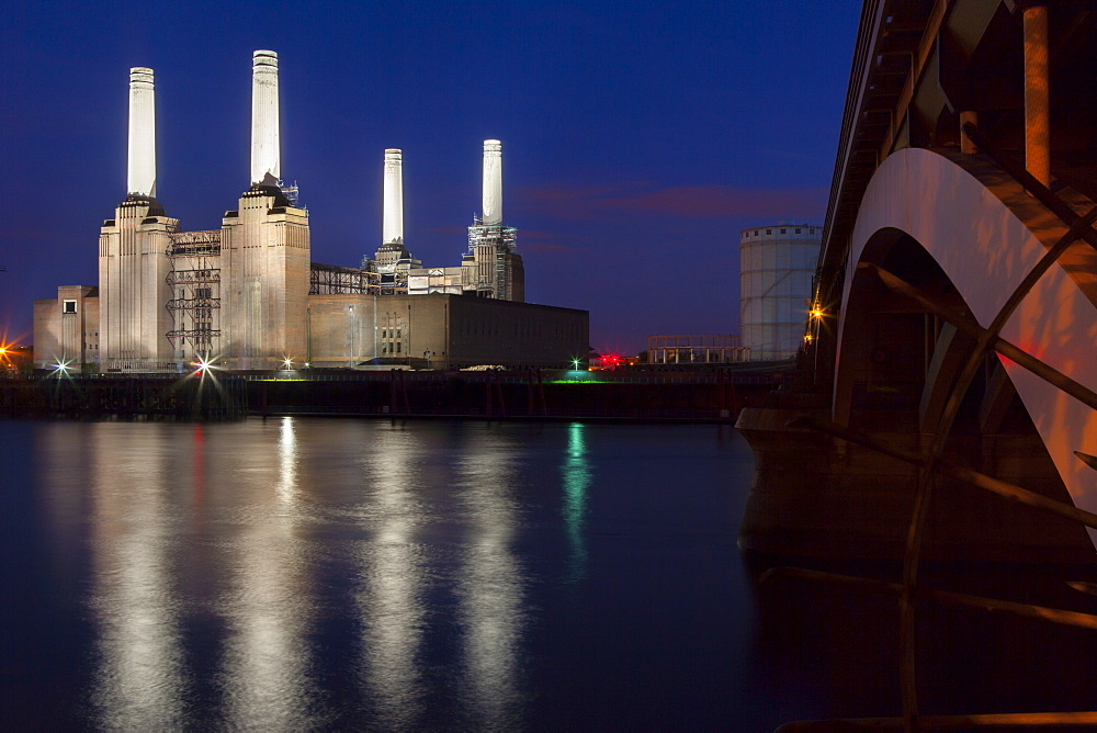 Battersea Power Station and Battersea Bridge at night, London, England, United Kingdom, Europe - 1284-101