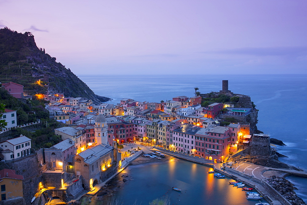 Sunrise at Vernazza, Cinque Terre, UNESCO World Heritage Site, Liguria, Italy, Europe - 1284-146