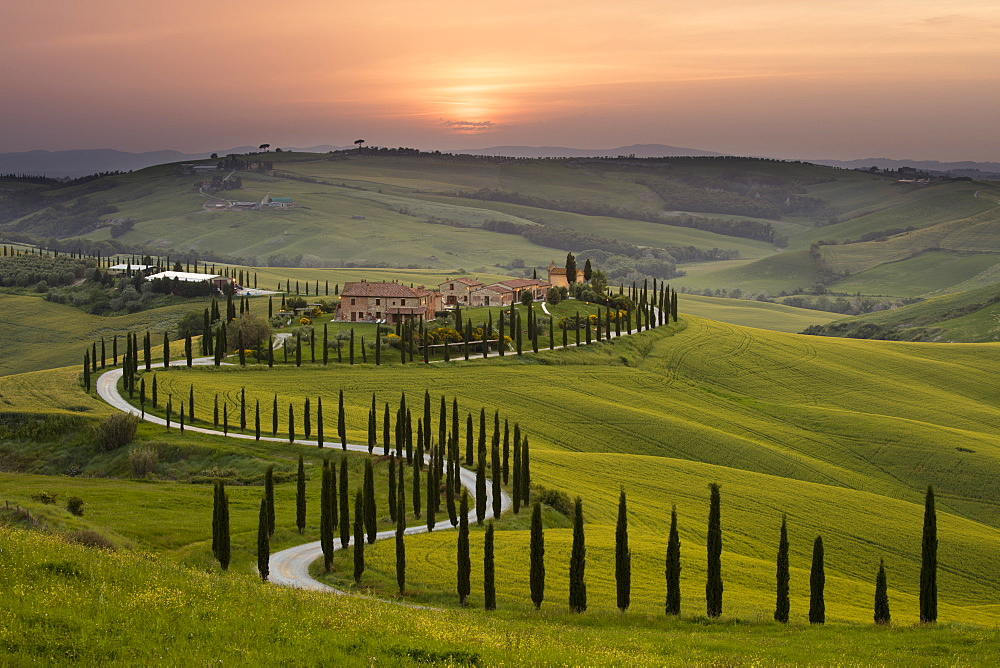 Sunset over the Agriturismo Baccoleno near Asciano in Tuscany - 1284-2