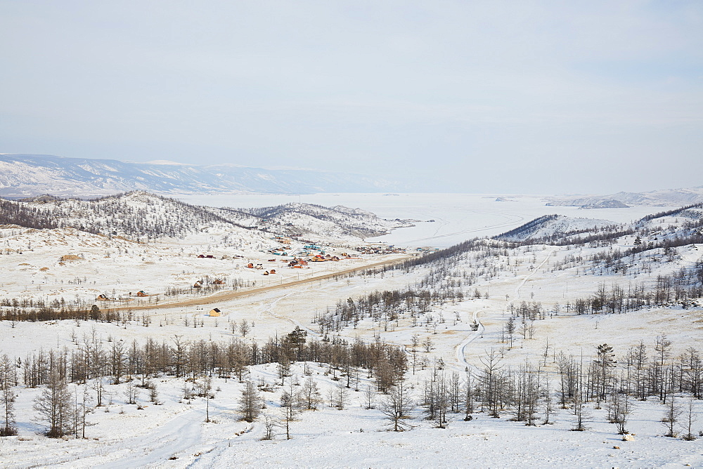Tazheran steppe at Lake Baikal in winter, Siberia, Russia, Eurasia