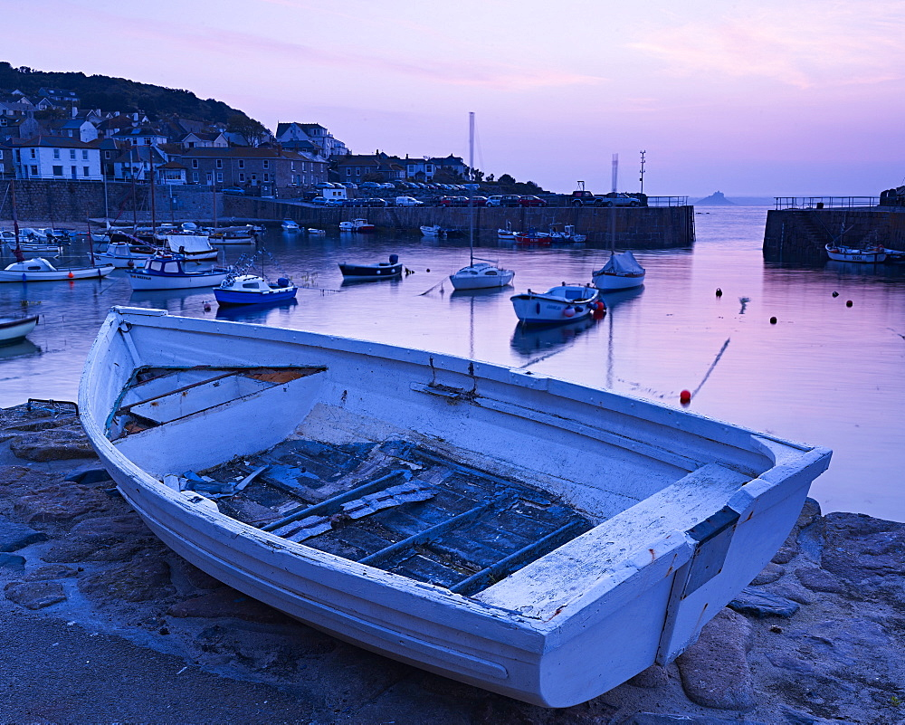 The picturesque fishing village of Mousehole, Cornwall, England, United Kingdom, Europe - 1295-287