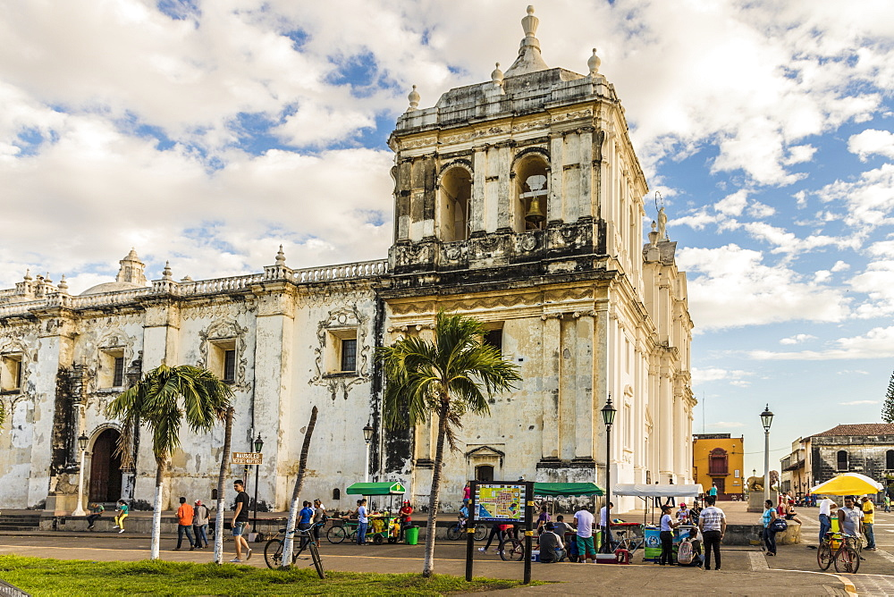 A view of the Cathedral of the Assumption of Mary, UNESCO World Heritage Site, from Parque Central, Leon, Nicaragua, Central America
