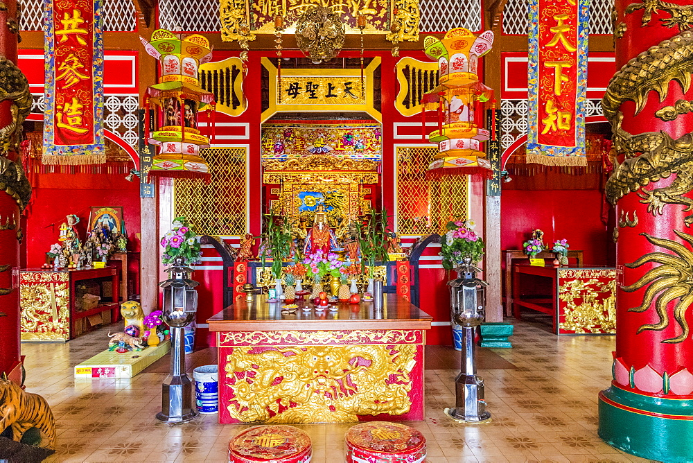 Thye Guan Tong shrine in Phuket Old Town, Phuket, Thailand, Southeast Asia, Asia