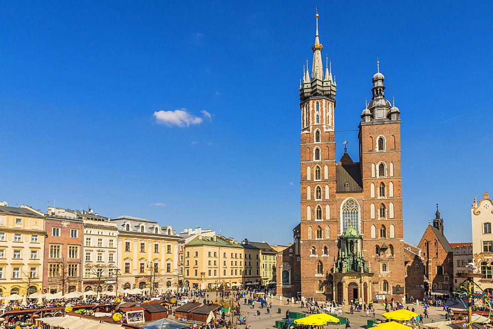 St. Mary's Basilica in the main square in the medieval old town of Krakow, UNESCO World Heritage Site, Krakow, Poland, Europe