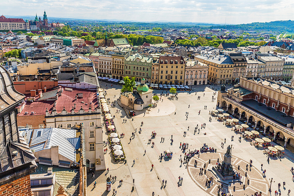 An elevated view over the Main Square in the medieval old town, a UNESCO World Heritage site, in Krakow, Poland, Europe. - 1297-951