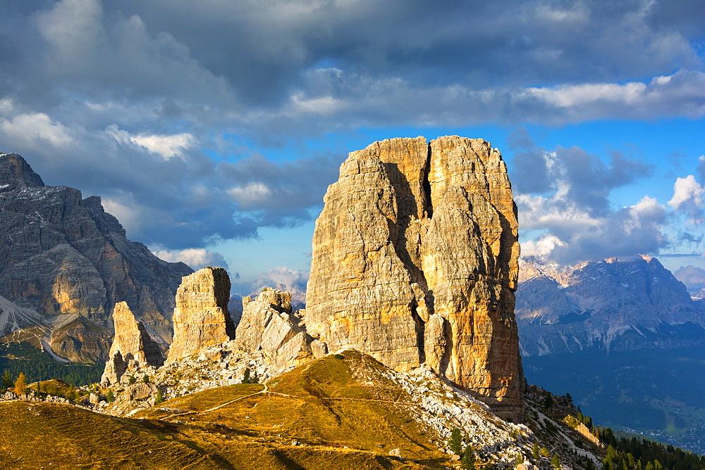 Dolomites, UNESCO World Heritage Site, Cortina d'Ampezzo, Cinque Torri peaks, Belluno province, Veneto, Italy, Europe