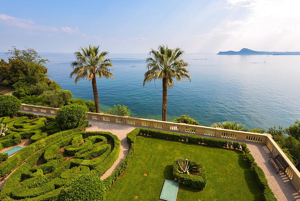 Isola del Garda on Lake Garda, Brescia province, Lombardy, Italian Lakes, Italy, Europe - 1299-70