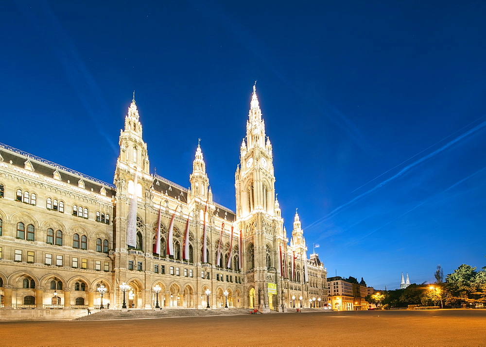 Rathaus (Town Hall) of Vienna at night, Vienna, Austria, Europe