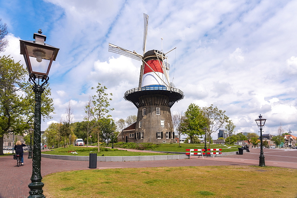 Molen de Valk in Leiden, 18th century windmill and museum, Leiden, South Holland, The Netherlands, Europe - 1300-446