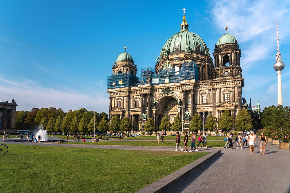 Berliner Dom (Berlin Cathedral) with the Lustgarten in the foreground, Berlin, Germany, Europe - 1300-487