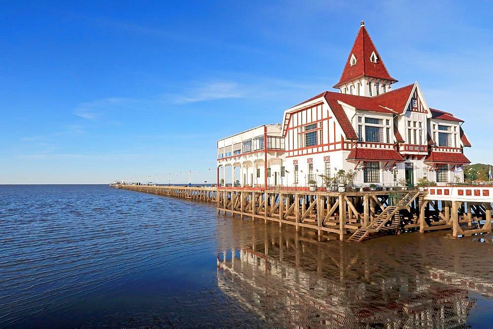 House and pier dock of the Club De Pescadores, Fisherman's Club, Rio de la Plata, Buenos Aires, Argentina, South America - 1301-50