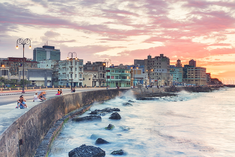Malecon, Havana, Cuba, West Indies, Caribbean, Central America