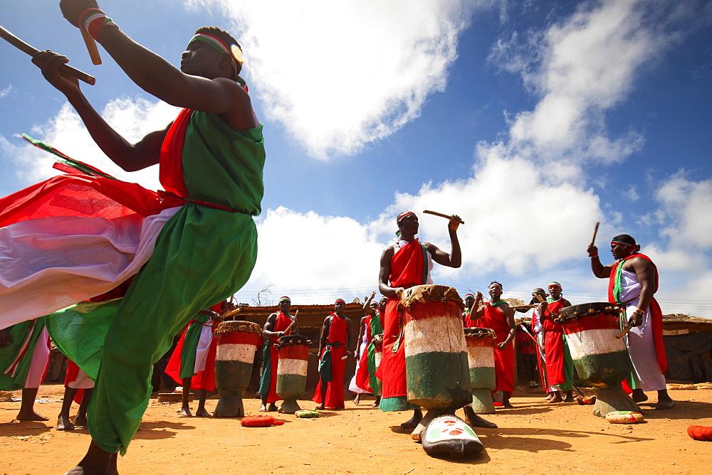 Traditional Burundian dance with typical drums, Burundi, Africa