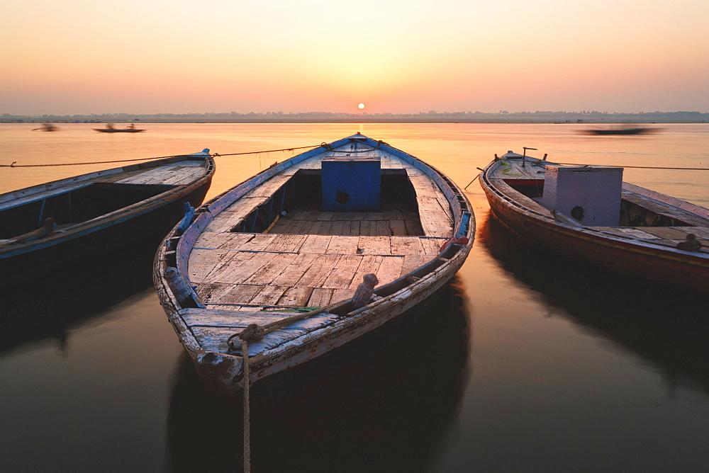 Sunrise on the River Ganges in Varanasi, Uttar Pradesh, India, Asia