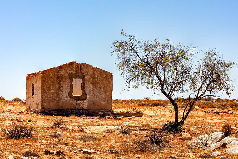 Old and disused farmhouse, ruins in the South African Desert, North of Springbok, Northern Cape, South Africa, Africa - 1304-23