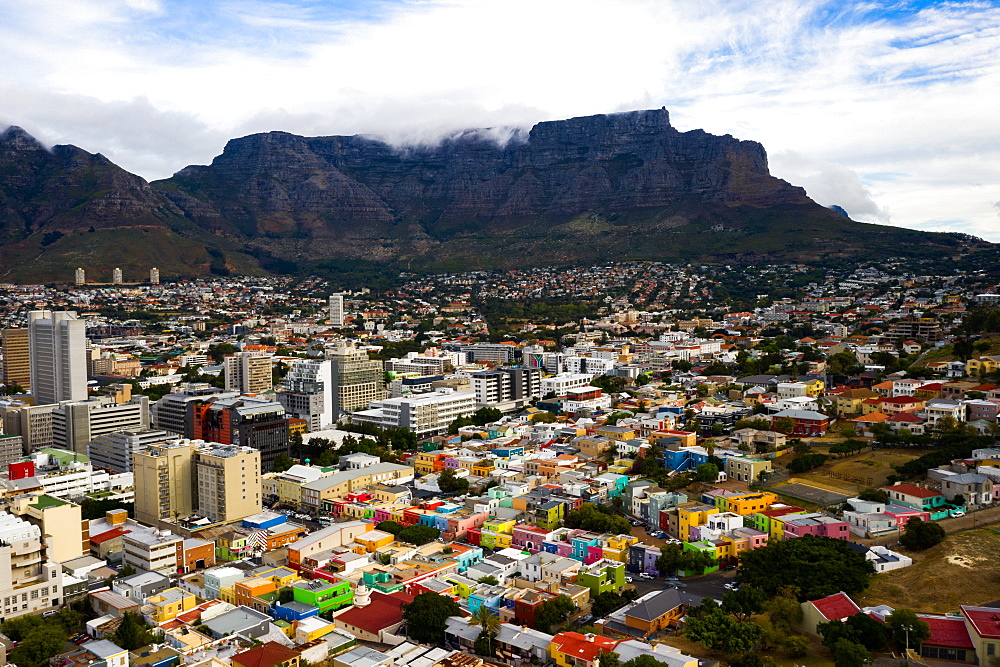 Bo-Kaap, located in between the city centre and the foot of Signal Hill, Cape Town, South Africa, Africa - 1304-77