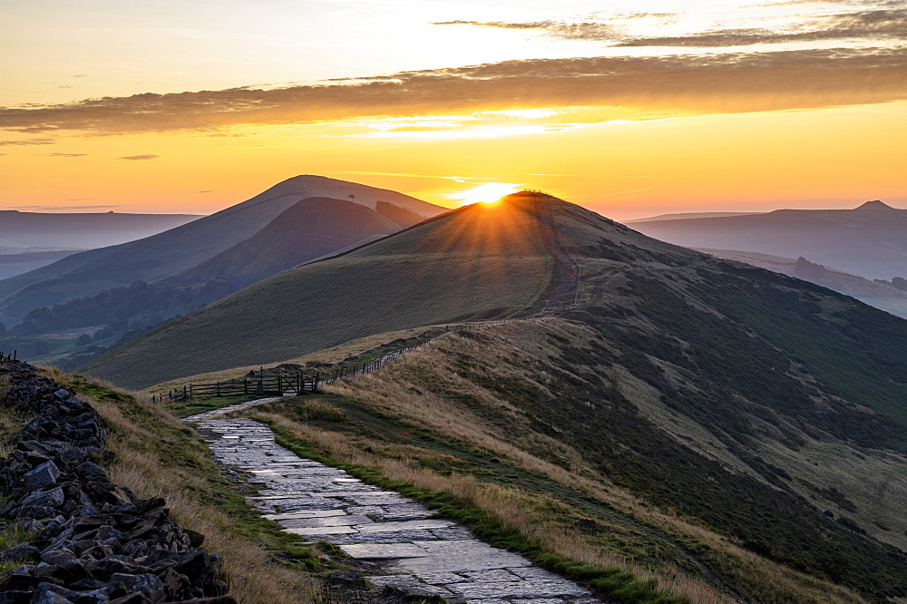 The sun rising above Lose Hill and Back Tor, The Peak District National Park, Derbyshire, England, United Kingdom, Europe