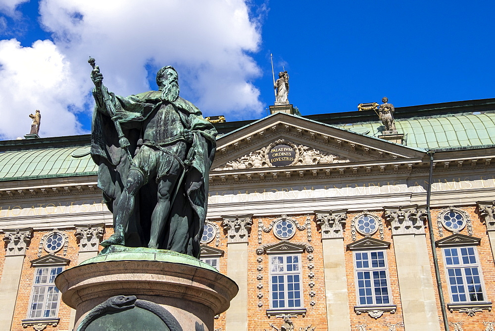 Statue of Gustavo Erici in front of Riddarhuset (House of Nobility) in Stockholm, Sweden, Scandinavia, Europe