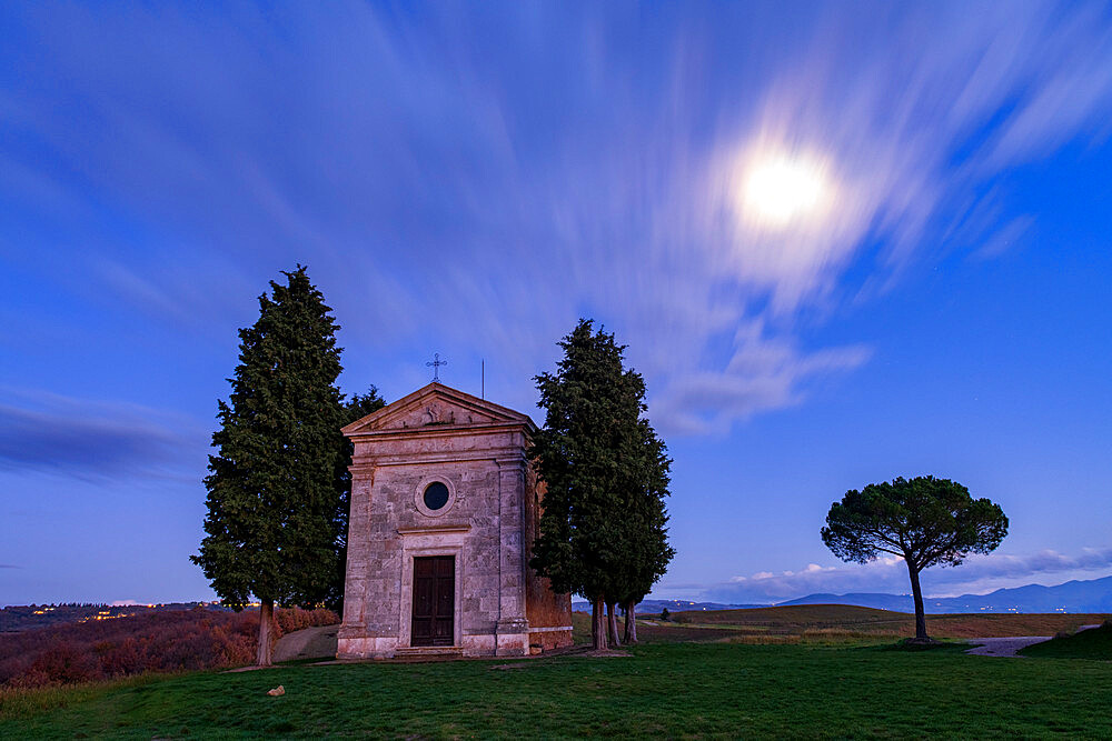 Vitaleta Church (Madonna di Vitaleta) in moonlight, San Quirico d'Orcia, Val d'Orcia, UNESCO World Heritage Site, Tuscany, Italy, Europe - 1306-699