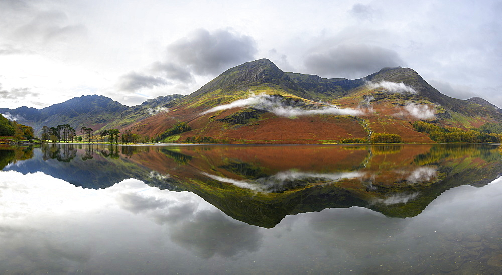 Panoramic view of Buttermere, Lake District National Park, UNESCO World Heritage Site, Cumbria, England, United Kingdom, Europe