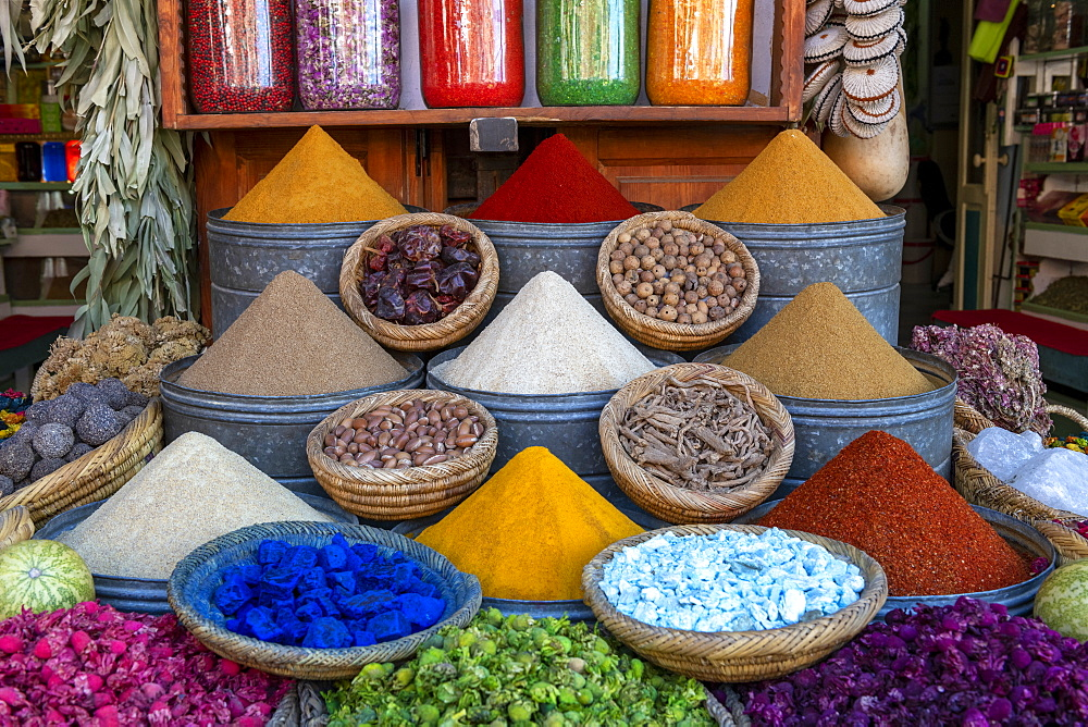 Display of spices and pot pourri in spice market in the souks of Marrakech, Morocco, North Africa, Africa