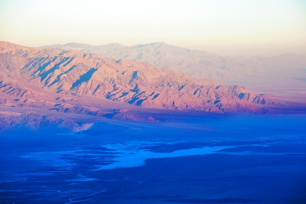 View over Badwater Basin to the Panamint Range, sunrise, Dante's View, Death Valley National Park, California, USA - 1310-256