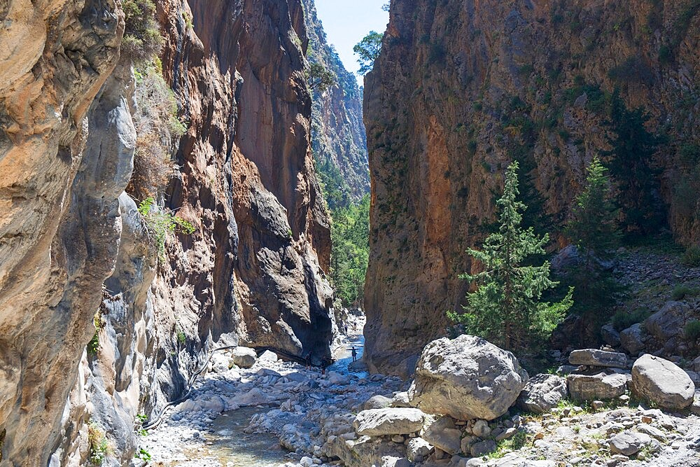 The Iron Gates, narrowest point of the Samaria Gorge, Samaria National Park, Agia Roumeli, Hania (Chania), Crete, Greek Islands, Greece, Europe