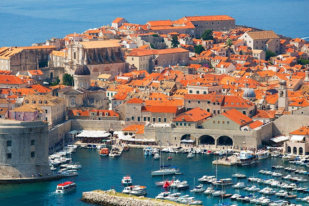 View over the Old Town (Stari Grad), from hillside above the Adriatic Sea, Dubrovnik, UNESCO World Heritage Site, Dubrovnik-Neretva, Dalmatia, Croatia, Europe